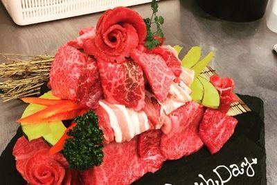 В Японии популярны торты из сырого мяса на дни рождения