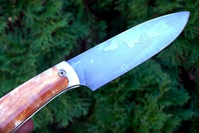 Нож, изготовленный с участием пива, бекона и картошки фри