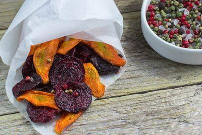 Полезные овощные чипсы могут содержать опасное количество сахара