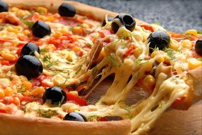 Около половины москвичей заказывают еду на дом