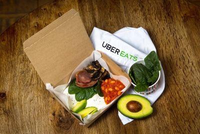 В Великобритании начали доставлять антипохмельные завтраки