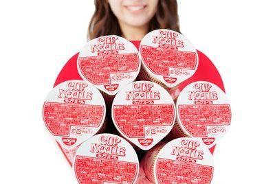 Букеты из лапши быстрого приготовления ко Дню святого Валентина