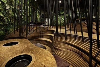 В Токио открылся ресторан, напоминающий пещеру