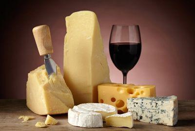 Швейцарский сыр созревает под музыку Led Zeppelin