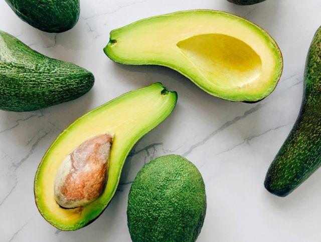 Испанские производители авокадо понесли серьезные убытки из-за ветра