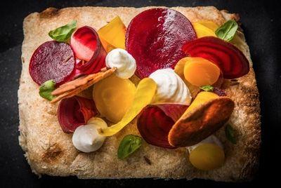 Новозеландский повар превращает мишленовские блюда в пиццу