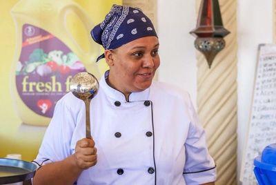 Шеф-повар из Кении стала рекордсменом по непрерывной готовке