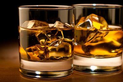 Британский моряк выпил коктейль с собственным пальцем