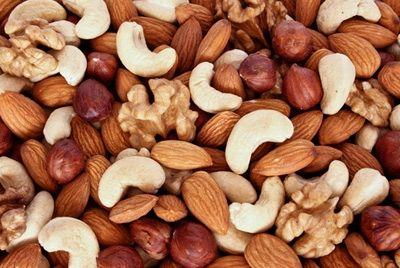 Употребление орехов способствует похудению