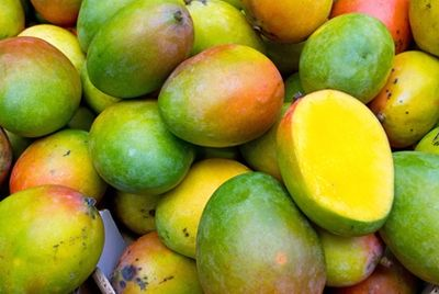 Филиппинский ученый создал биопластик из манго и водорослей