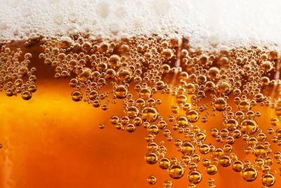 Американская пивоварня выпустила двухметровую упаковку пива