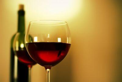 К Новому году в России появится вино «Крымский мост»