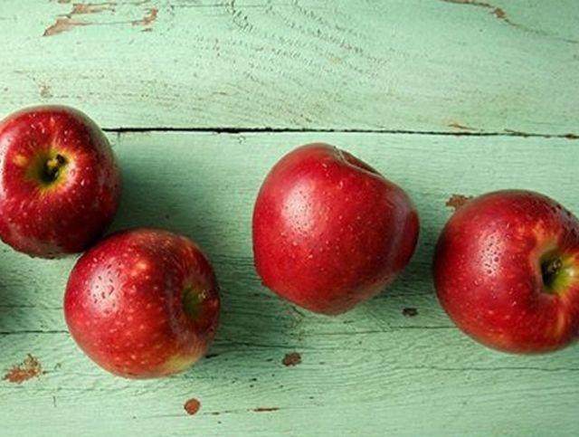 Агрономы вывели яблоки, остающиеся свежими в течение года