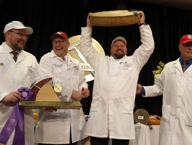 Швейцарский Грюйер был признан лучшим сыром на мировом чемпионате