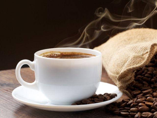 Ученые рассказали о разнице между горячим и холодным кофе