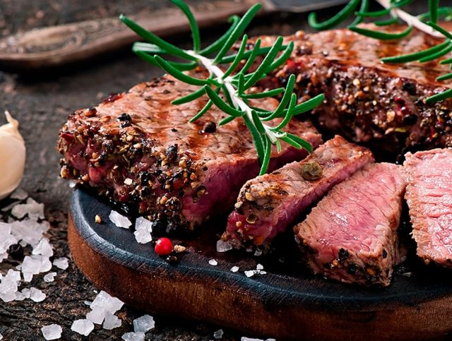 Пандемия коронавируса привела к росту популярности заменителей мяса в США