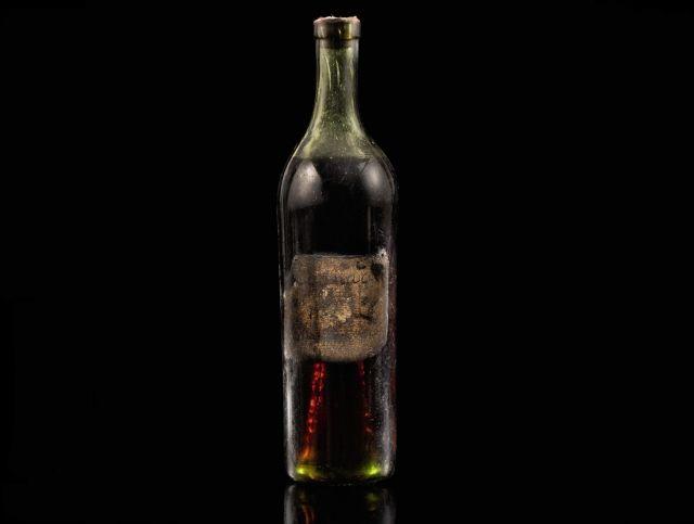 Бутылка редкого коньяка 1762 года была продана на аукционе за 132000 евро