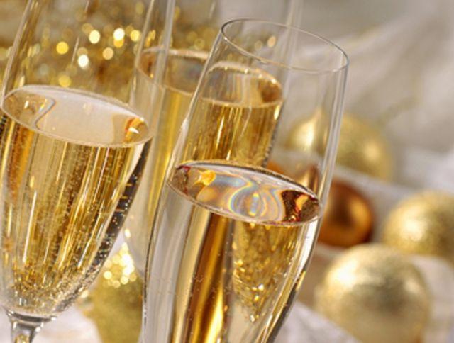 Пандемия коронавируса привела к падению спроса на шампанское