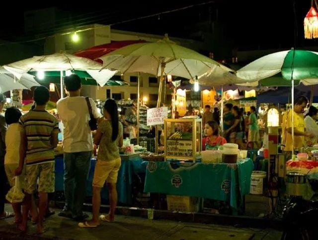 В Таиланде начали продавать пирожные в форме коронавируса