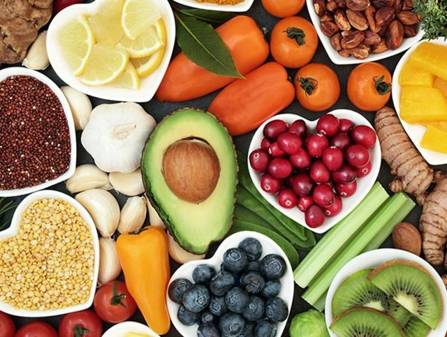 Фрукты, овощи, орехи и бобовые улучшают когнитивное здоровье