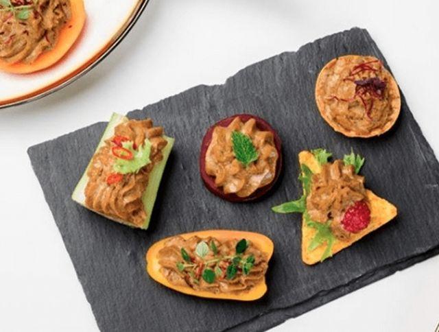 Венгерский стартап делает мясные деликатесы из бананов