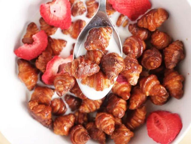 Хлопья на завтрак из круассанов – новый тренд в социальных сетях