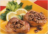 Свиные отбивные под медово-ореховым соусом