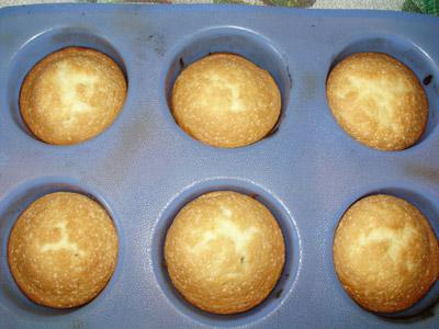 И выпекаем в духовке 40-50 минут при температуре  180-200 градусах.