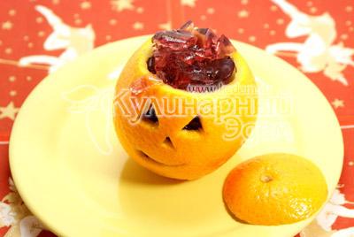 Застывшее желе переложить в апельсин и закрыть крышечкой. - Апельсин с «мозгами», рецепт на Хэллоуин