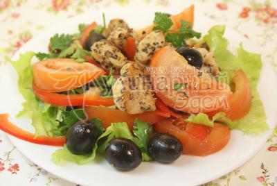Выложить на блюдо. - Салат «Ля-Мур» с курицей. Фото приготовления рецепта.