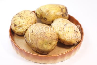 Картофель хорошо помыть и обсушить. Выложить в форму и запечь в духовке 40 минут при температуре 200 градусов С. - Картофель фаршированный мясом. Фото приготовления рецепта.