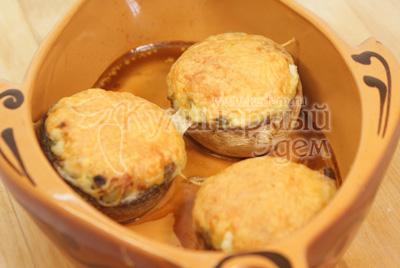 Запечь в духовке в течении 20 минут при температуре 200 градусов С. - Запеченные шампиньоны. Фото приготовления рецепта.