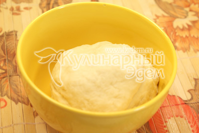 Хорошо вымесить тесто и дать отдохнуть 10-15 минут. - Картофельники. Фото приготовления рецепта.