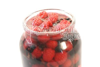 Добавить ягоды малины