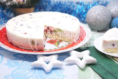Форму убрать и подавать торт к столу. - Торт «Самоцветы в снегу». Фото приготовление торта желе на Новый год.