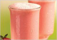 Смуси Фруктовая страсть – это кулинарный рецепт приготовление вкусного напитка из свежей или замороженной клубники