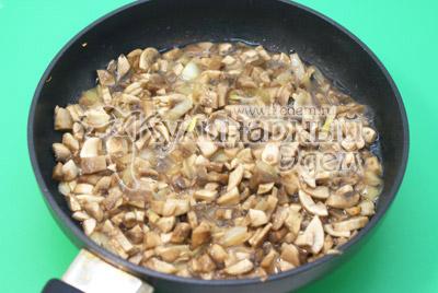 Фаршированные блины с грибами и сыром