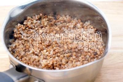 Гречку сварить до готовности и немного посолить. - Тефтели из гречки с грибами. Постный рецепт. Фото приготовление.