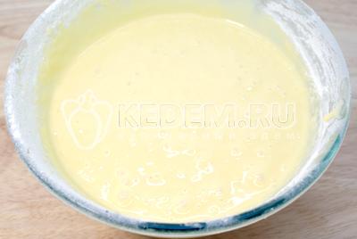 Понемногу добавить просеянную муку. - Сметанная баба с маком. Фото рецепт приготовление сметанной бабы на Пасху.