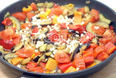 Веер из баклажана с куриным рагу – кулинарный рецепт