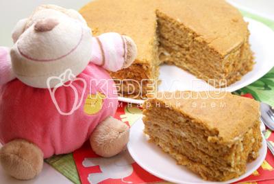 Медовый торт с орехами – кулинарный рецепт