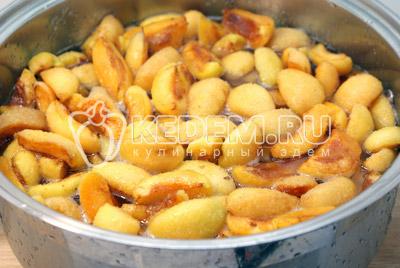 Засыпать сахаром. Оставить на ночь. - Абрикосовое варенье «Ленивое». Абрикосовое варенье фото рецепт приготовление варенья из абрикосов.