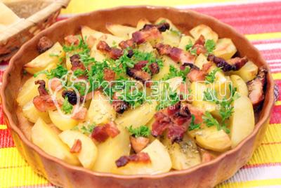 Картофель с копченой грудинкой