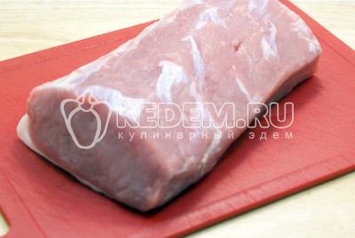 Мясо промыть и высушить. - Мясо в духовке к новогоднему столу. Фото рецепт приготовление мяса в духовке на новогодний стол.
