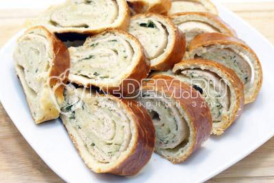 """Закусочный рулет с салями """"Праздничный"""" – кулинарный рецепт"""