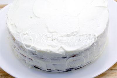 Сверху и по бокам коржи покрыть сливками. Убрать в холодильник на 2 часа. - Сливочный торт с абрикосовым джемом. Фото рецепт приготовление торта с абрикосовым джемом и сливками.