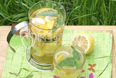 Перелить в графин, по желанию добавить кубики льда и подавать в жаркий летний день. Приятного аппетита! - Домашний лимонад. Фото рецепт приготовление домашнего лимонада.