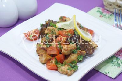 Рецепт: Салат с курицей, фасолью и сухариками на ...