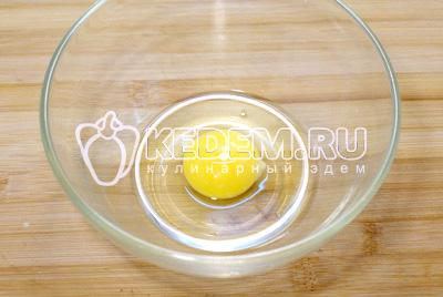 В миске взбить яйцо. - Суп с клецками. Пошаговый кулинарный рецепт с фотографиями приготовления супа с клецками