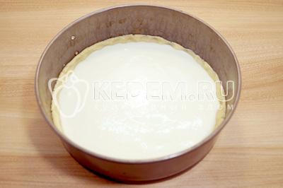 Выложить начинку на тесто и равномерно распределить по форме. Песочный пирог с творогом